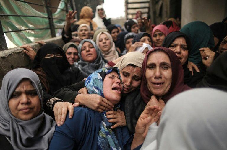 Los palestinos entierran a sus muertos tras el día más sangriento en años