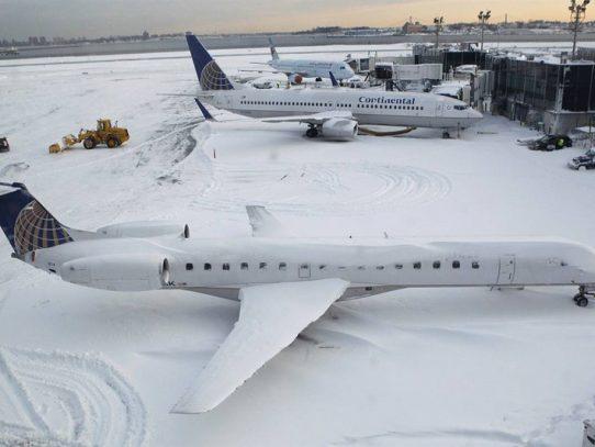 Nueva tormenta de nieve causa anulación de más de 2.000 vuelos en Nueva York