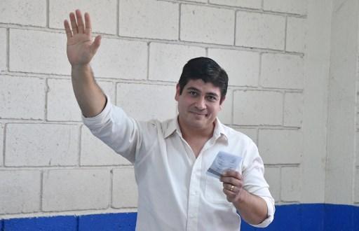 Varela felicita a Carlos Alvarado por su victoria en presidenciales de Costa Rica