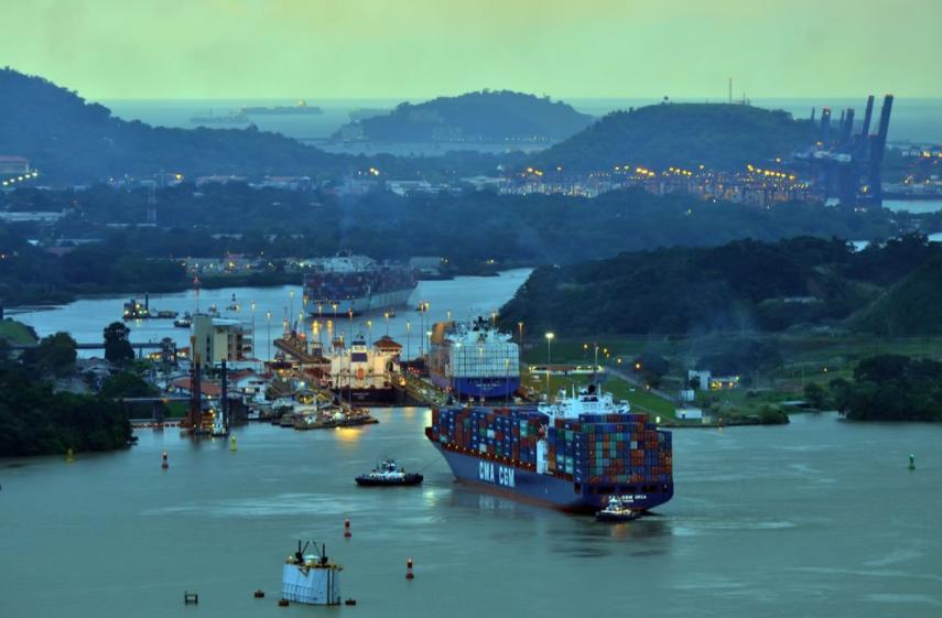 Canal de Panamá autorizará capitanes de barcos que remolcan por afectar operaciones