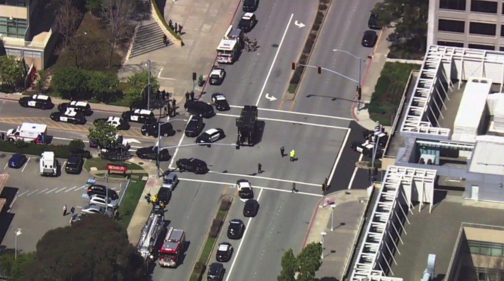 """Policía confirma """"tiroteo activo"""" en oficinas de YouTube en California"""