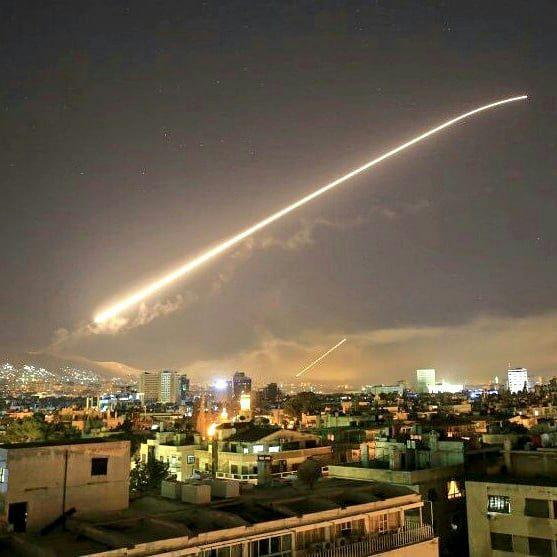 Bombardeo de artillería israelí contra Líbano en represalia a lanzamiento de cohetes