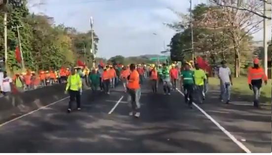Suntracs incrementa jornada de protestas; conductores se quejan de los tranques