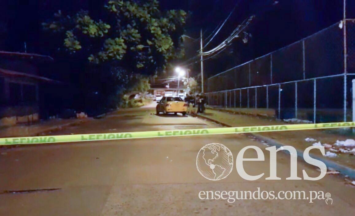 Con golpes y múltiples disparos encuentran sin vida a taxista en Las Cumbres