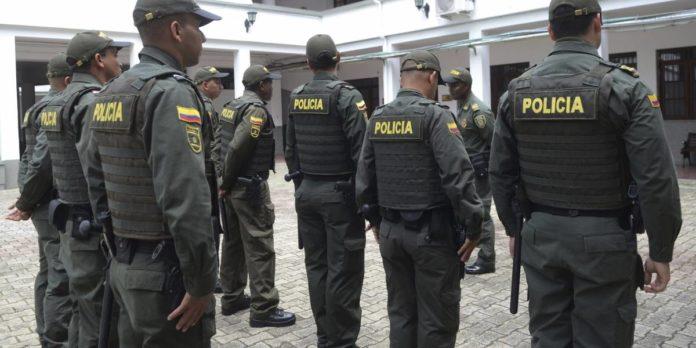 Ocho policías mueren en Colombia en ataque atribuido a narcos