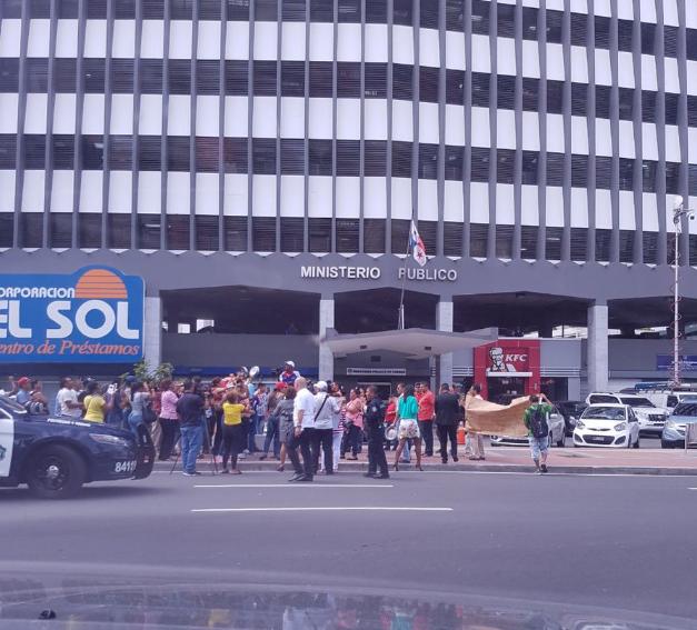 Empleados del Hotel Veneto vuelven a protestar para exigir pago de sus salarios