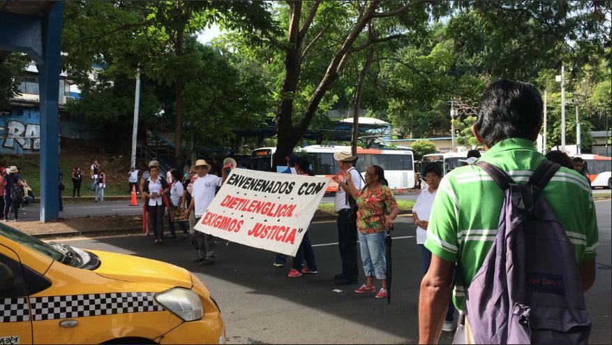 Gobierno propone aumento en pensión para víctimas del dietilenglicol