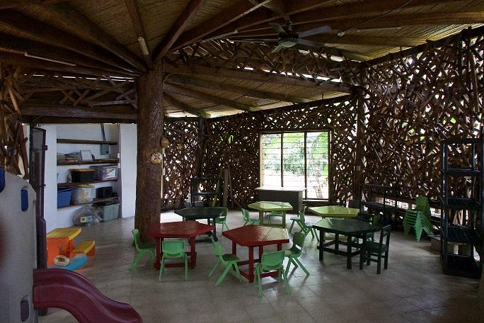 Comunidad y empresa privada conservan espacio comunitario en Isla Pedro González