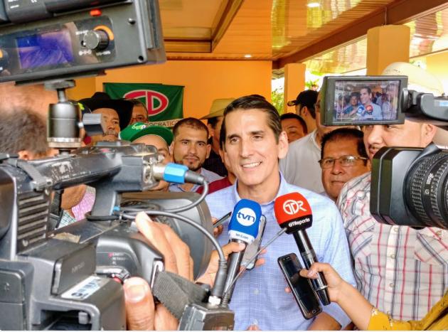 Rómulo Roux pide respeto a los derechos de Ricardo Martinelli en su extradición