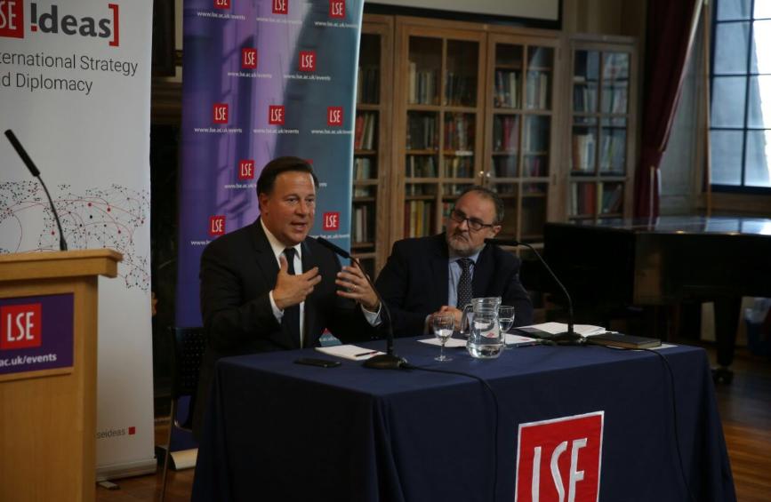Varela ofreció conferencia sobre transparencia en universidad de Reino Unido