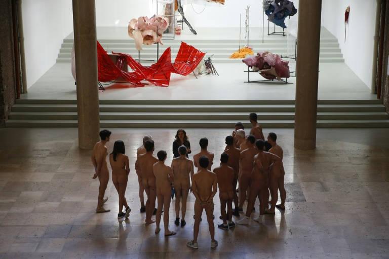 Museo de París organiza primera visita exclusiva para nudistas