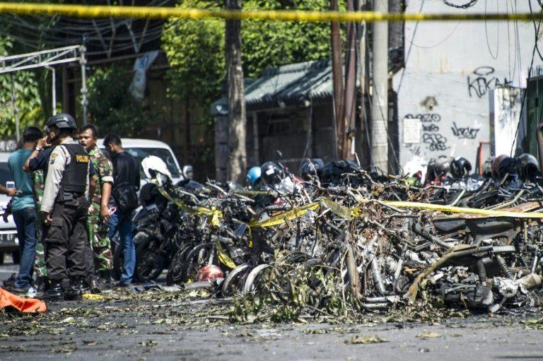 Once muertos en ataques contra iglesias en Indonesia reivindicados por el EI