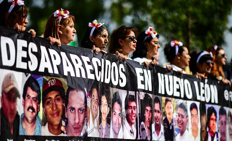 Madres mexicanas marchan para exigir localización de sus hijos desaparecidos