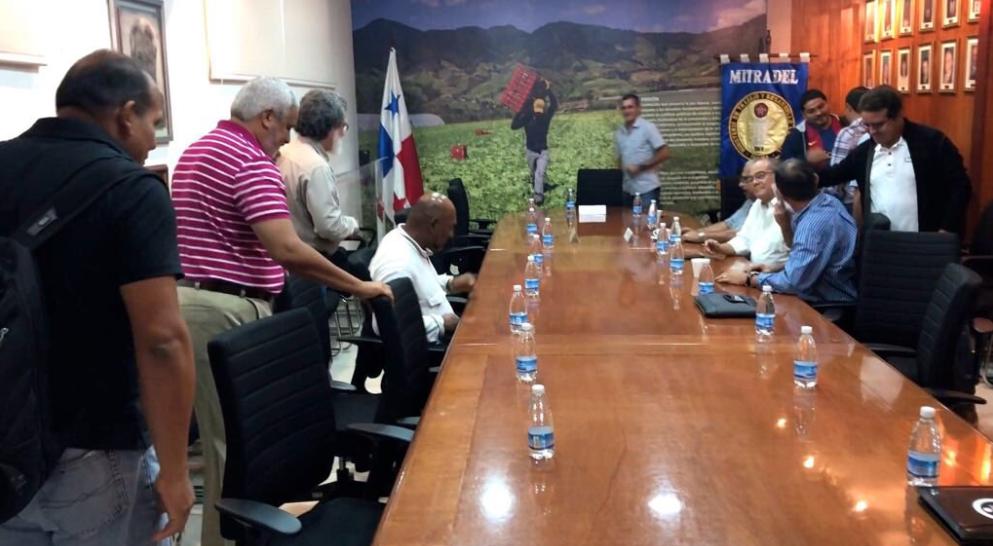 Sigue huelga de trabajadores de Suntracs en Panamá