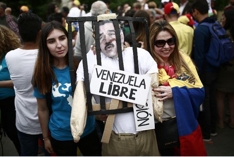 Jefe militar confirma cierre de frontera marítima y aérea de Venezuela con Curazao
