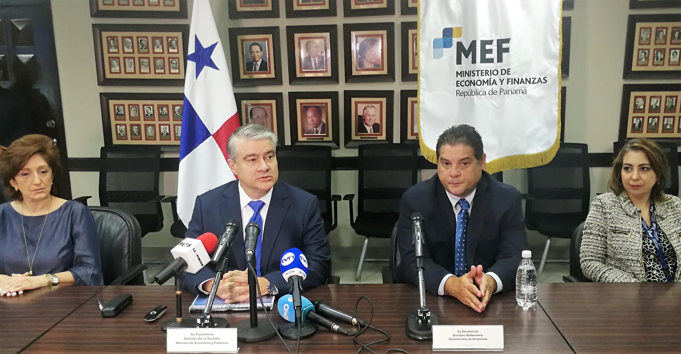MEF presentó informe de gestión 2014 y 2017