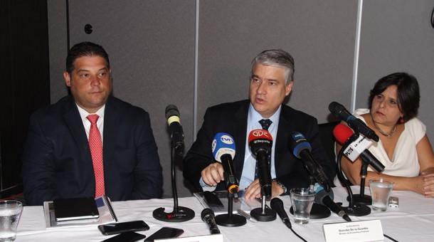 El MEF explica proyecto que reforma la Ley de Responsabilidad Social Fiscal