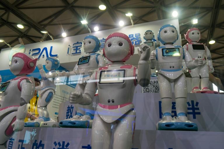 Un robot profesor como compañero de los niños