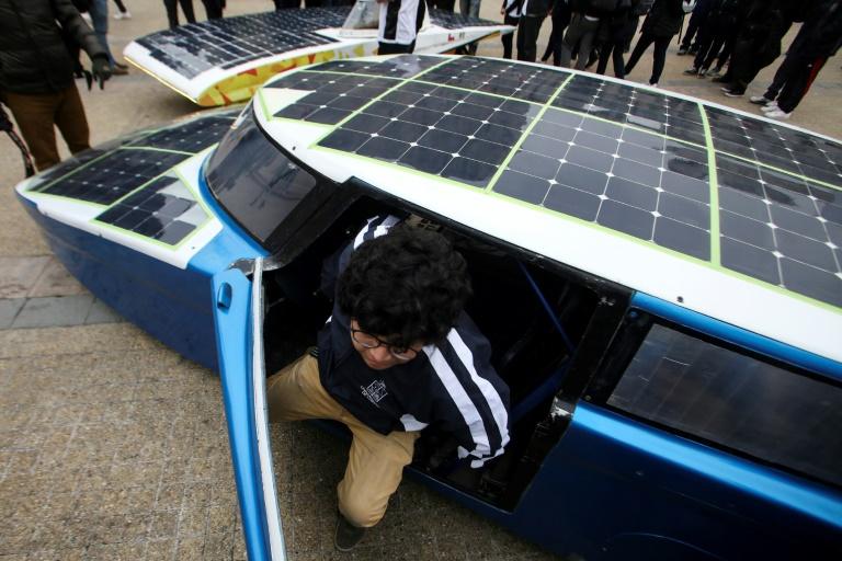 Carrera de autos solares recorrerá más de 2.600 km por el norte de Chile