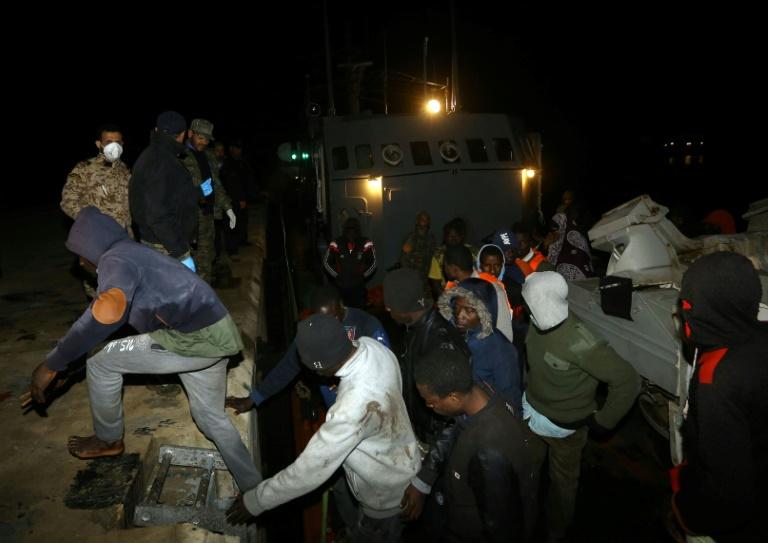 Casi 1.000 migrantes rescatados en el Mediterráneo en 24 horas