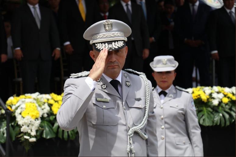 Alonso Vega Pino sucede a Pinzón al frente de la Policía Nacional