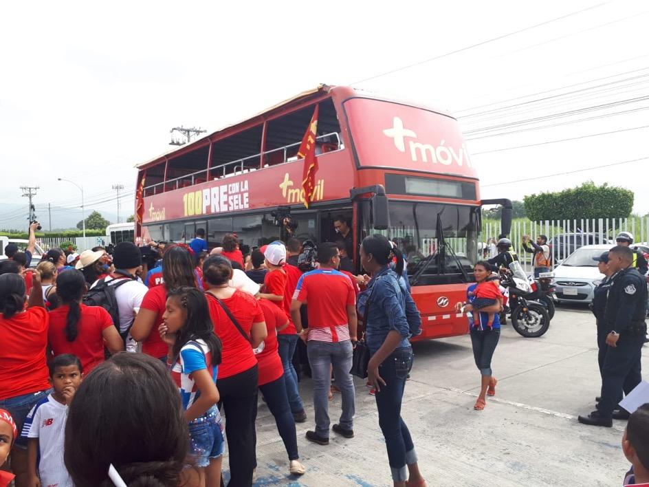 Panameños reciben con fervor a la selección mundialista de fútbol