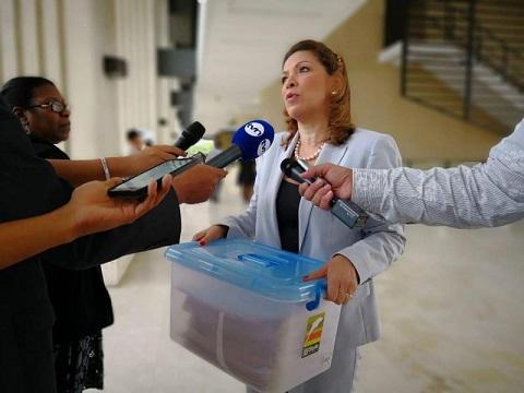 Ana Matilde Gómez completa 50 mil firmas de apoyo a su candidatura