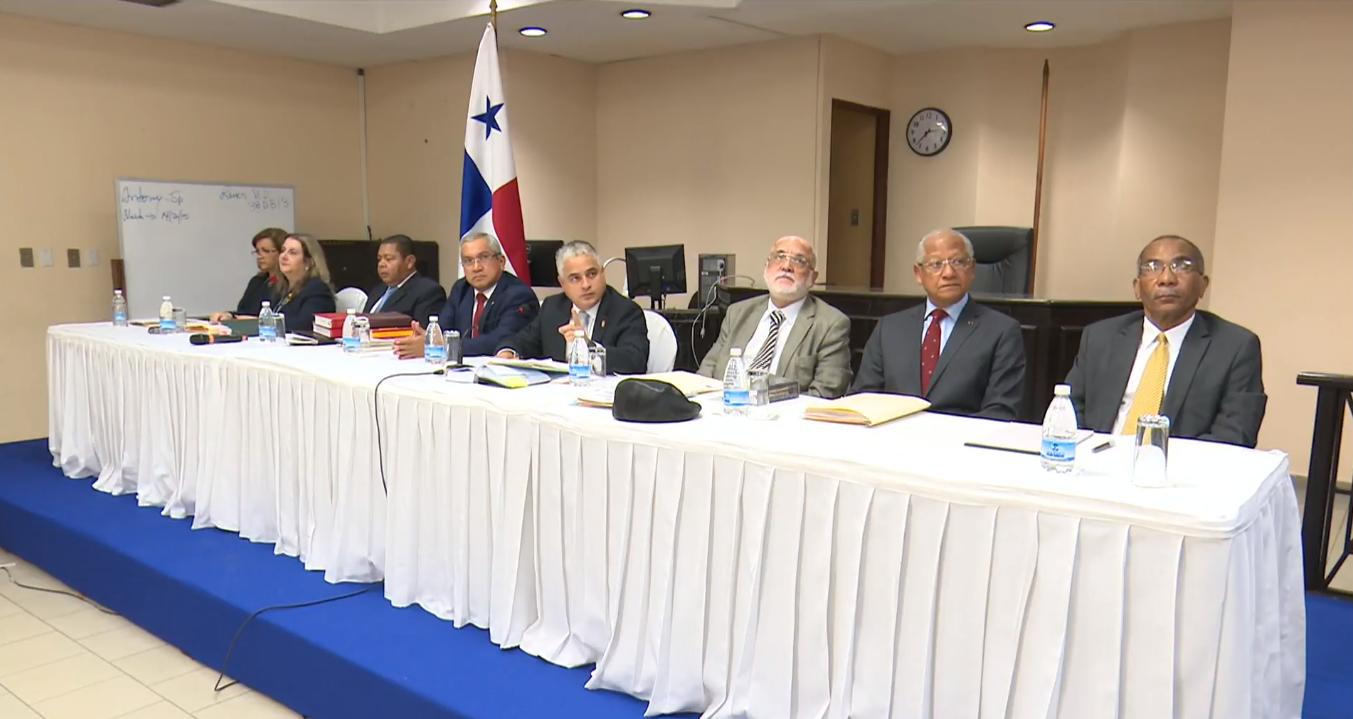 Pleno de la Corte confirma decisión de Mejía, continúa el proceso a Martinelli