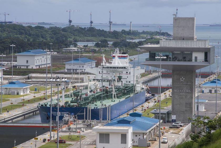 Panamá recibe cifra récord de ingresos por el Canal