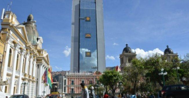 Mudanza de Evo a nuevo edificio despierta otra polémica en Bolivia
