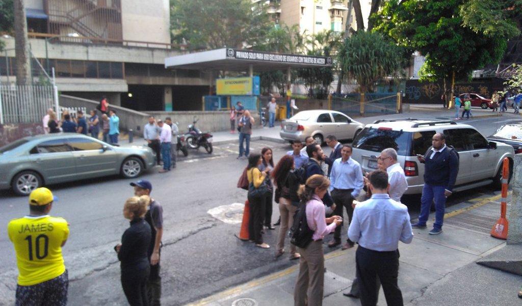 Sismo de magnitud 7,3 sacudió a Venezuela