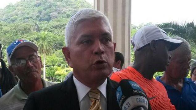 Marcos González renuncia como asesor de la Asamblea