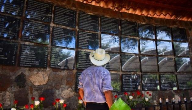 Salvadoreños víctimas de masacre de El Mozote demandan justicia