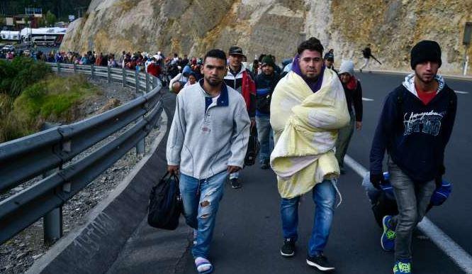 Perú flexibiliza las nuevas normas migratorias para venezolanos