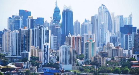 Moody's mejora la calificación de riesgo de Panamá de Baa2 a Baa1