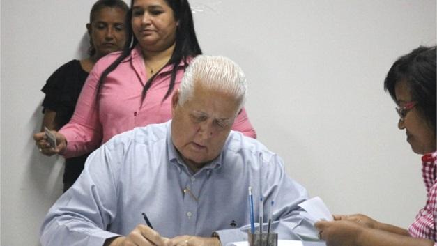 Abogado de Pérez Balladares dice que su cliente no esta por el dinero, sino por la honra