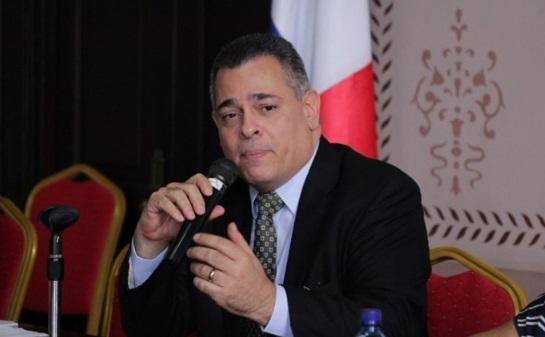 Oficializan nombramiento de Julio Valarini como director interino de la CSS