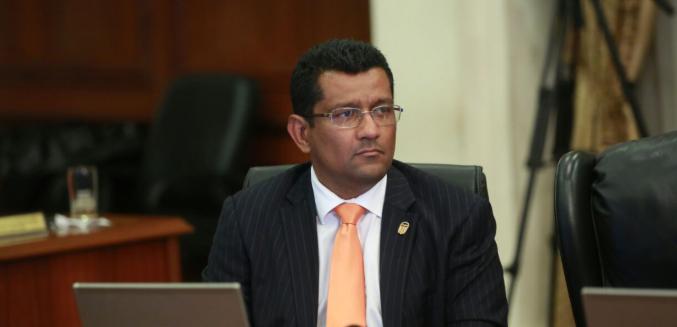 Pleno cita a ministro Sempris por rehabilitación de pista de aterrizaje en Coiba