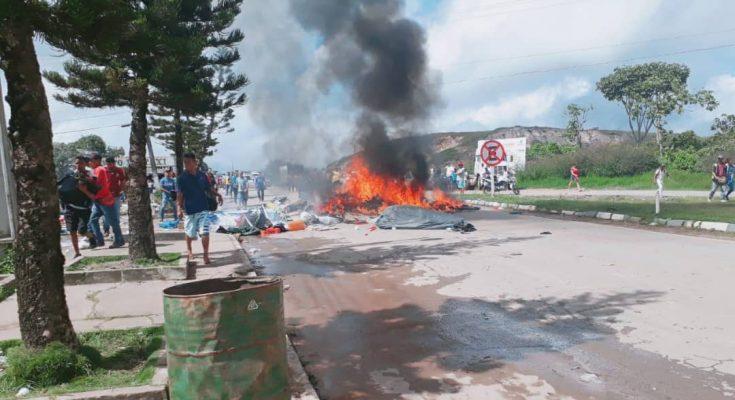 Brasileños expulsan a venezolanos