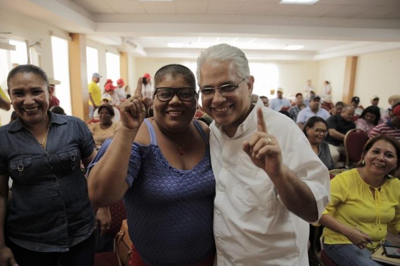 Blandón visita Coclé y presenta sus propuestas de campaña