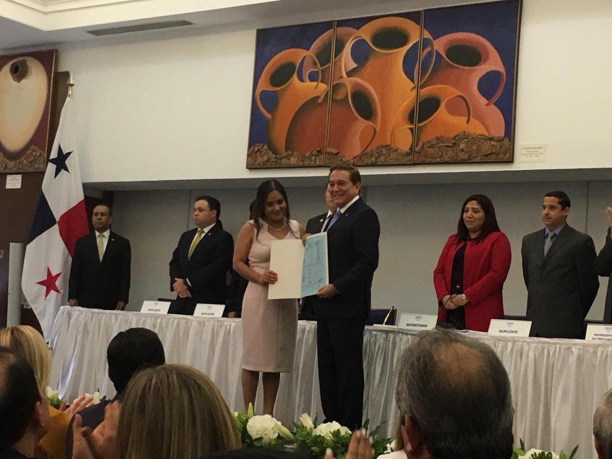 """Proclaman a Laurentino """"Nito"""" Cortizo como candidato presidencial del PRD"""