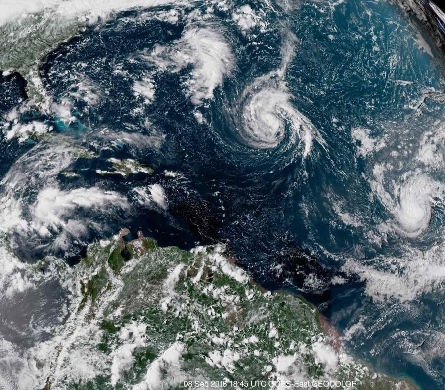 Huracán Florence se intensifica rápidamente y alcanza categoría 4