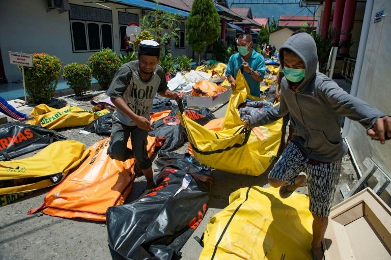 Balance de muertos tras sismo y el tsunami en Indonesia sube a 832 personas