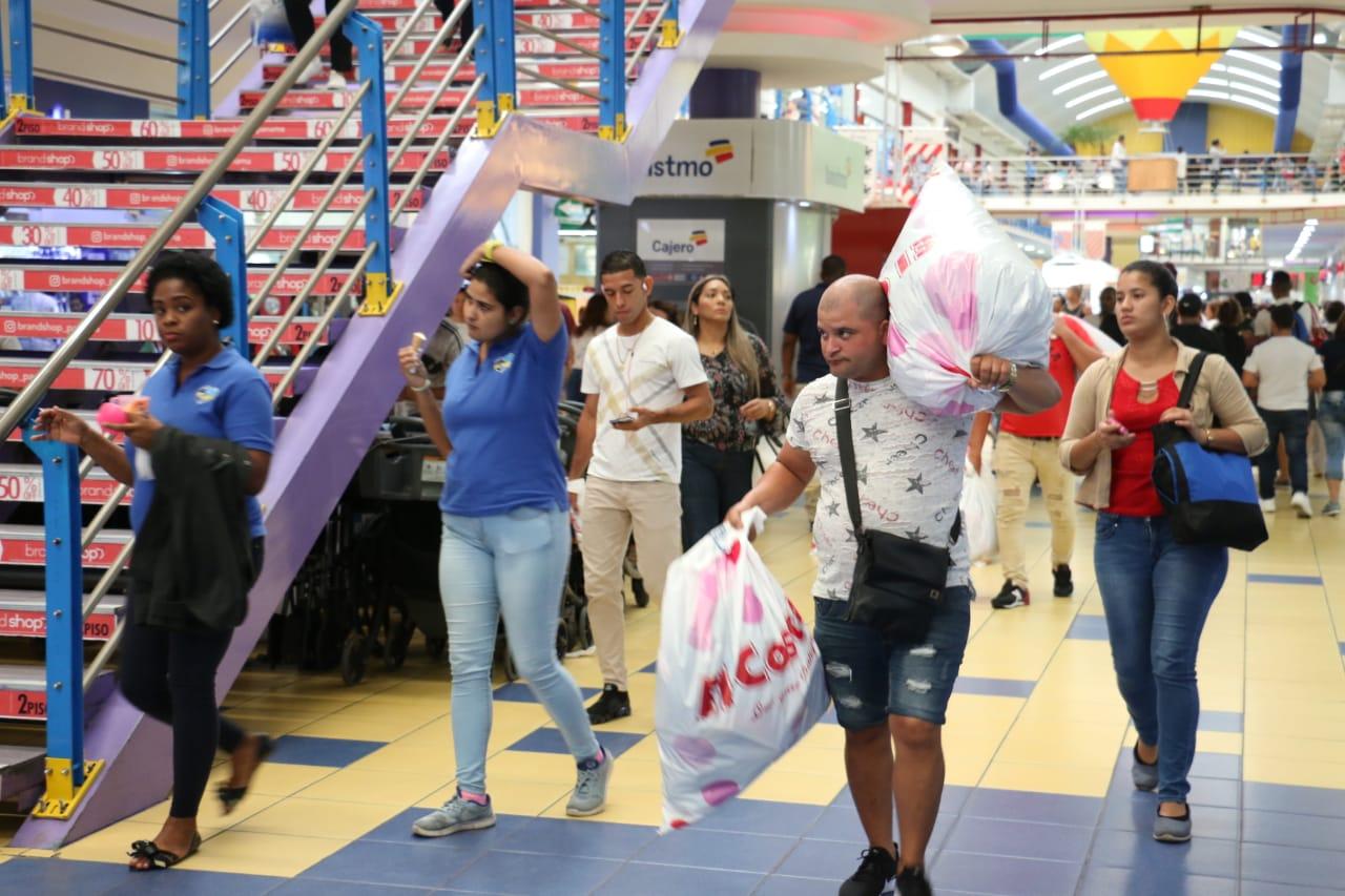 Electrodomésticos, ropa deportiva y zapatos los favoritos del Panamá Black Weekend