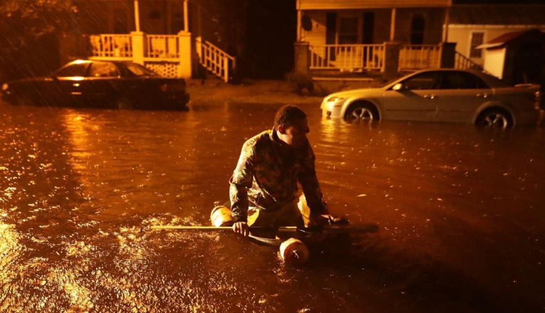 Huracán Florence golpea Estados Unidos con inundaciones y vientos