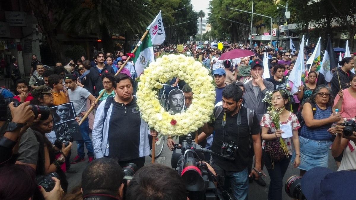 Van 9  periodistas asesinados en México este año
