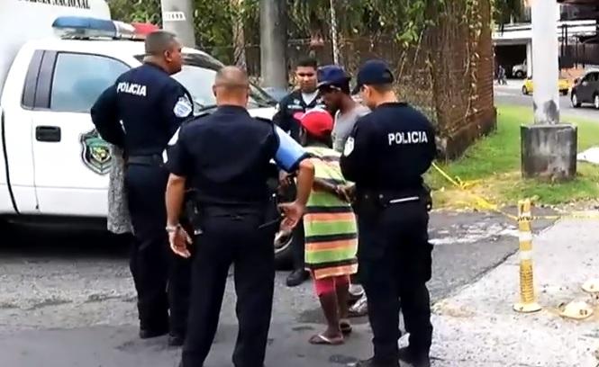 Riña en la Avenida Nacional: Hombre muere apuñalado con una tijera