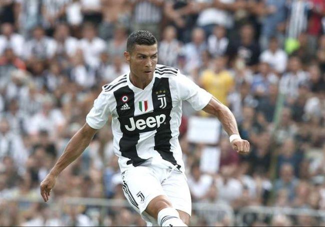 Cristiano Ronaldo celebra con victoria y un doblete su partido 100 con la Juve