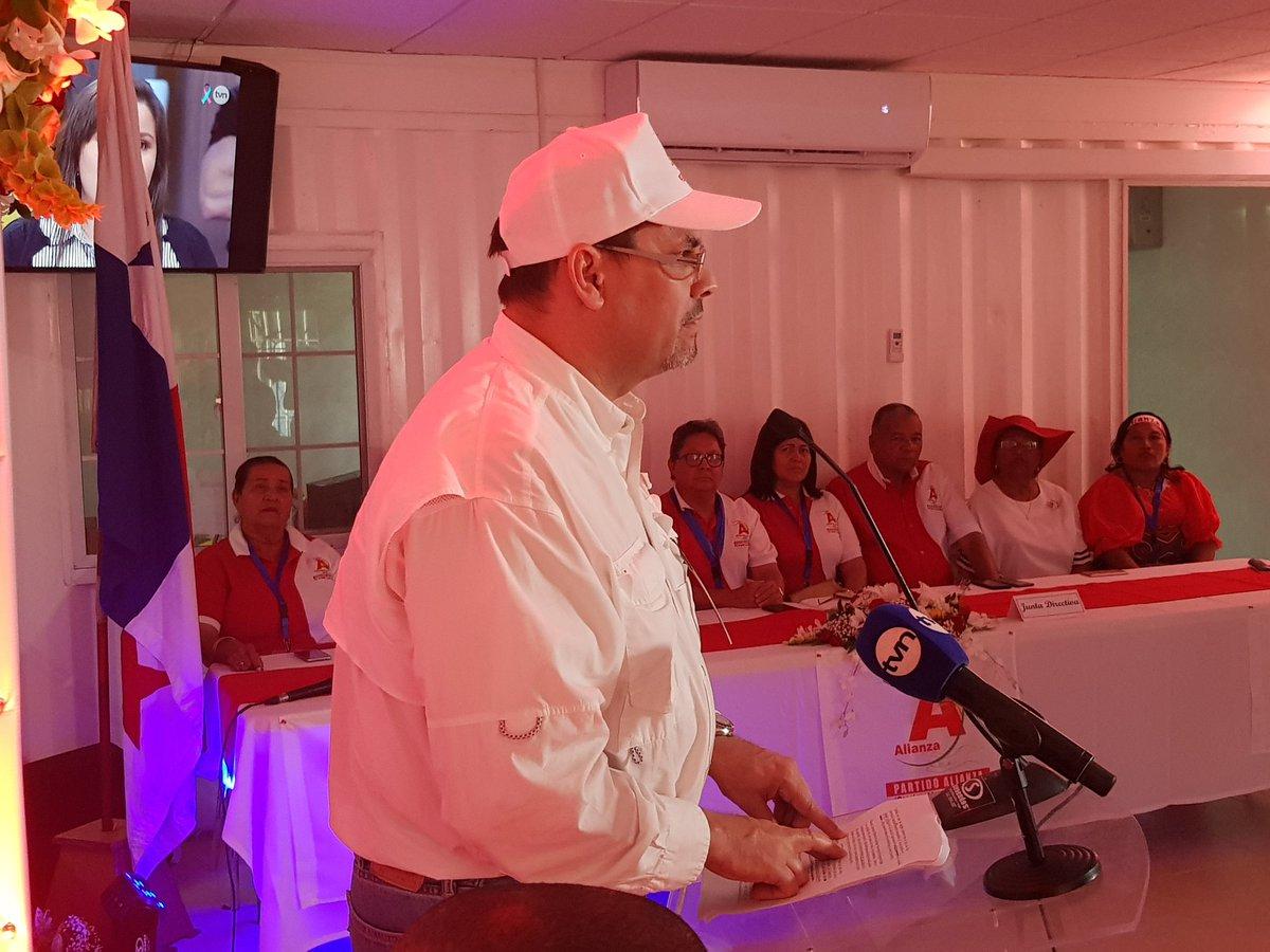José Domingo Arias gana en las elecciones primarias de Alianza