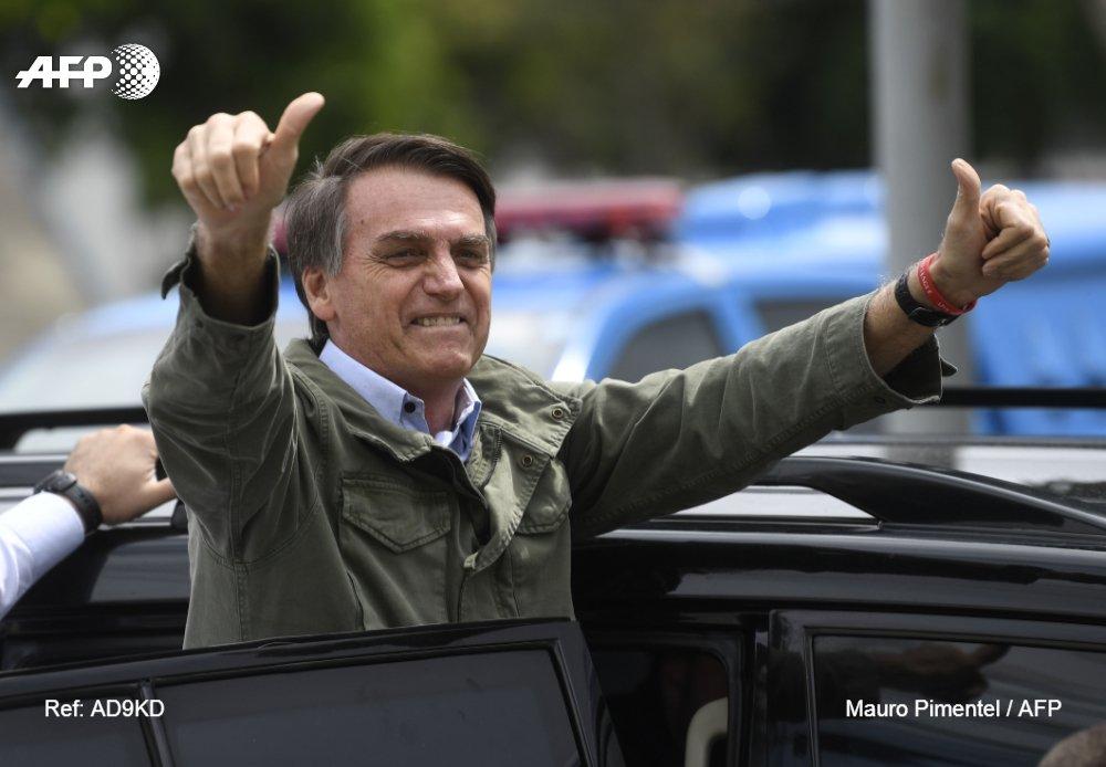 Bolsonaro orgulloso del aumento de registros de armas en Brasil